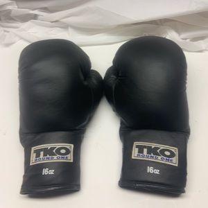 Vintage TKO around One Boxing Gloves 16 Oz